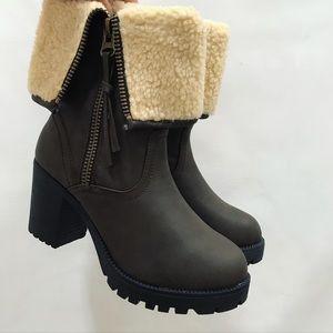 ❄️Beautiful booties ❄️